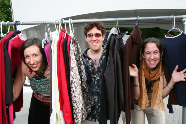 Get Clothes For FREE: Attend Clothing Swap Parties Or Host A