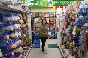 How To Find The Best Bargains At Dollar Stores & Leave The Duds Behind