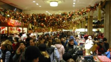 7 Non-Traditional Holiday Shopping Ideas To Save Money