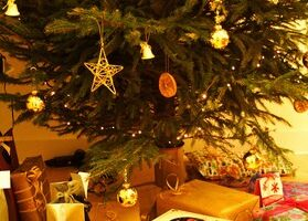 Frugal Christmas Ideas – Be Merry Without Going Broke